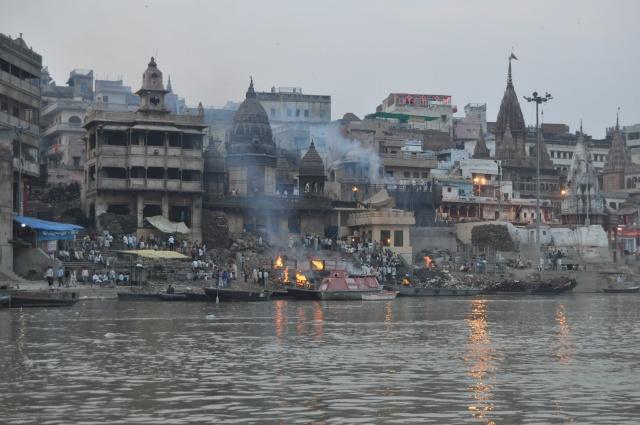 varanasi_burning_ghats